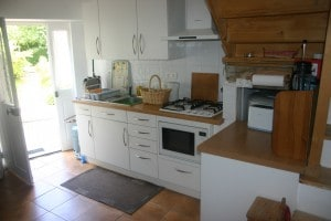Gite 3 kitchen (2)